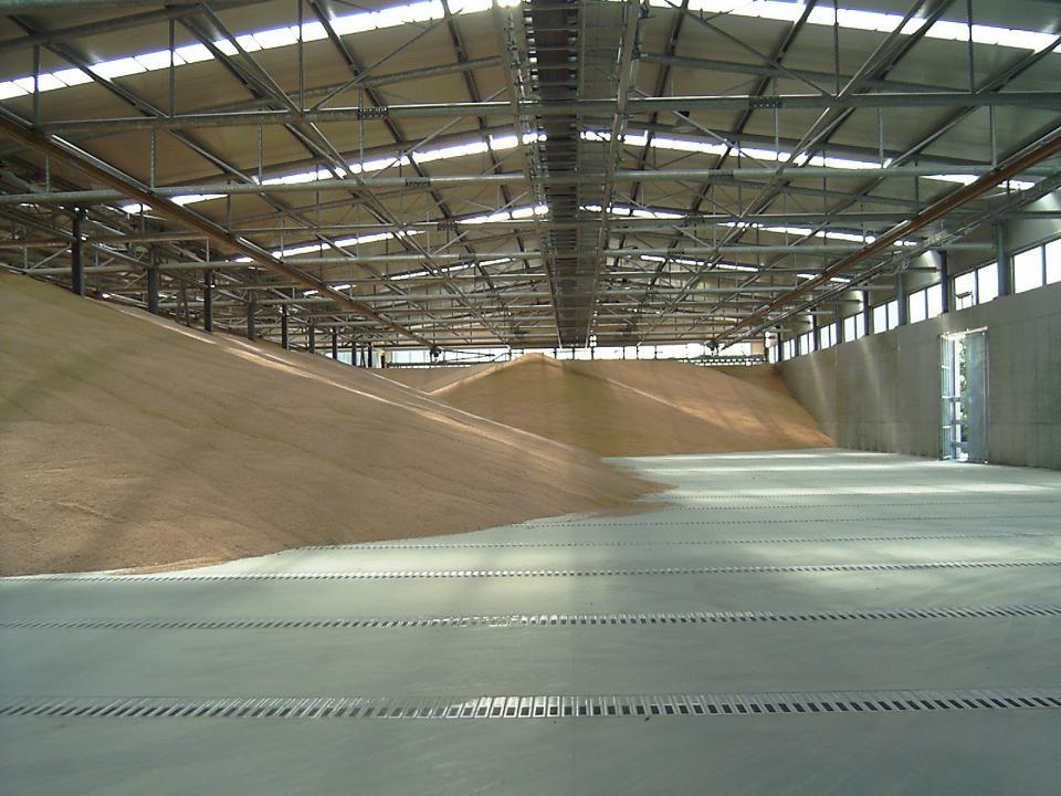 Capannoni per stoccaggio cereali in calcestruzzo lavori for Piani di stoccaggio capannone