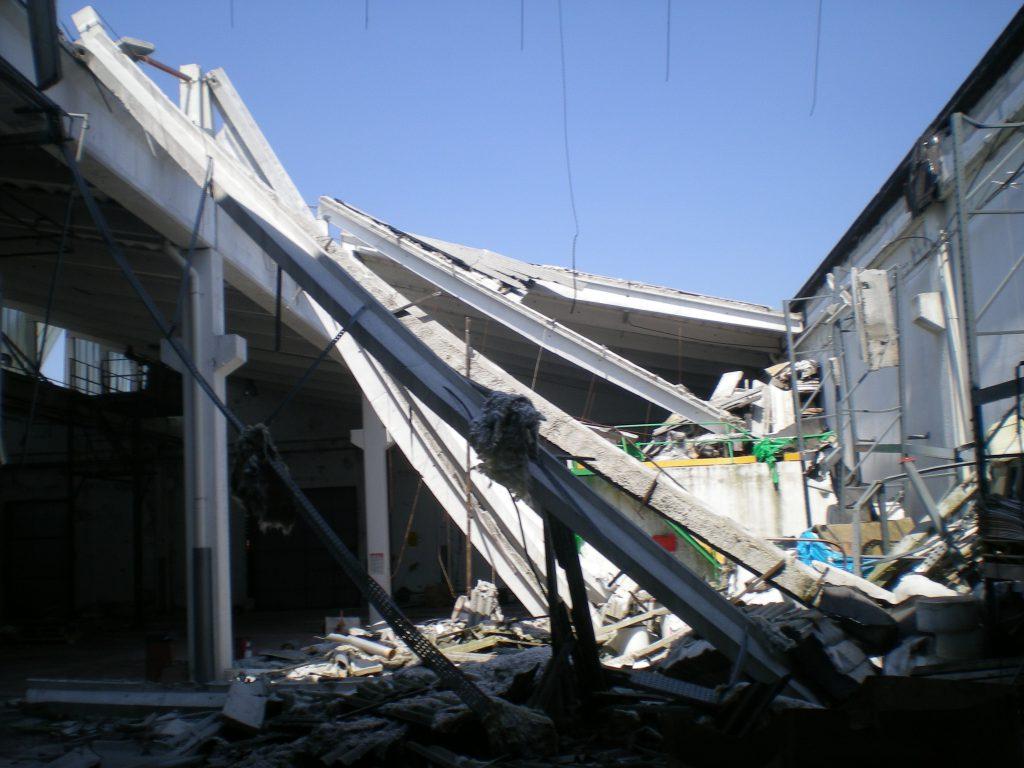 Demolizione di un fabbricato Industriale